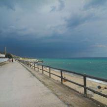 Взгляд Сдредеземного моря,не далеко от Барселоны, Монтгат